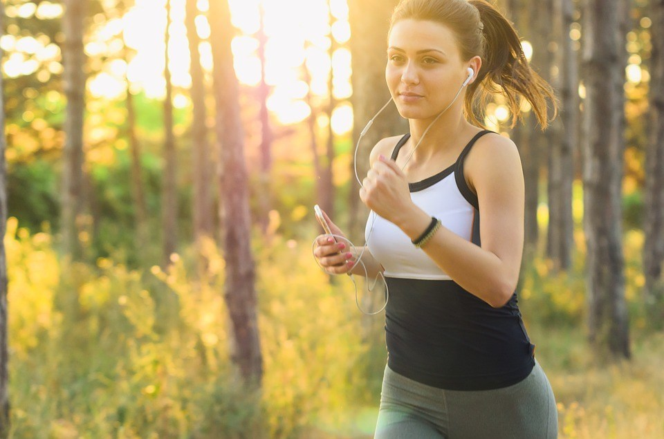 ランニングはダイエットに効果的!初心者でも無理なく続けるコツとは?