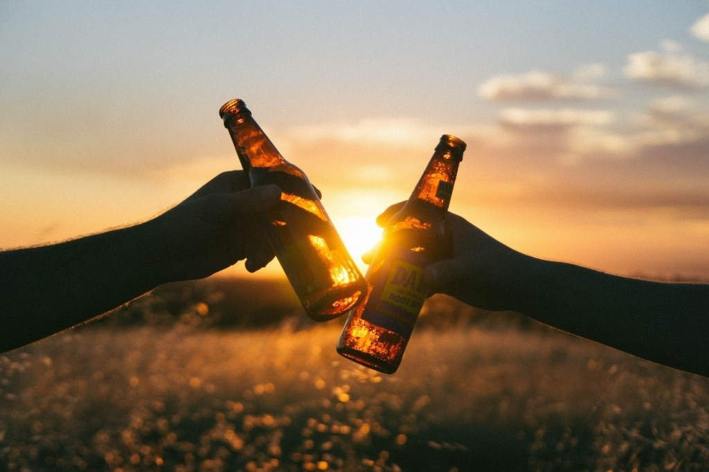 お酒好きランナーさんへ。マラソンとお酒の関係について!