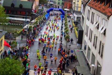 マラソンの理想的なペース配分は?フルマラソンとハーフマラソン別ペース解剖!!